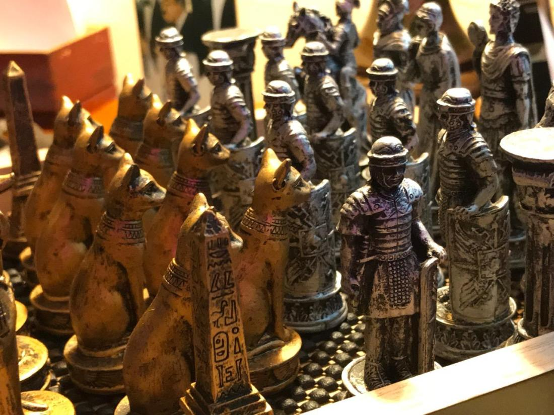 CHESS KINGDOMS SHOWING SOLIDARITY AS THEY WAIT 3